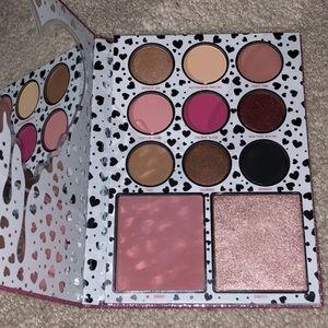 Kylie Cosmetics Birthday palette 🎉